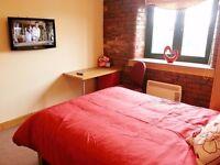 STUDIO Apartment 104 - Accommodation 3 min walk from Bradford University (Student or Professional)