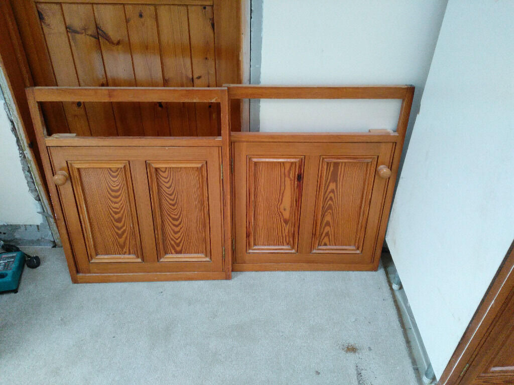 Pitch pine kitchen solid wood cabinets and cupboard for Kitchen cabinets gumtree
