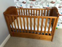 Obaby Winnie The Pooh Deluxe Cot Bed + Underdrawer - Country Pine with Mattress