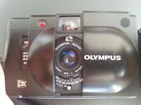 Olympus XA4 28mm macro film analogue camera A11 Flash and Olympus pouch; 35mm format