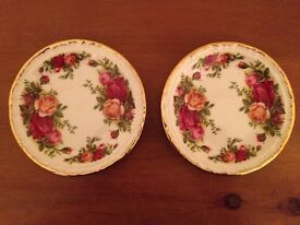Royal Albert's Old Country Roses Bone China - Boxed Gift Set of Two Small Dishes