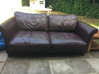 Lovely 2 seater leather sofa, good condition very comfortable . £120 ono