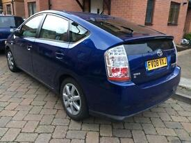 Toyota Prius hybrid electric/petrol 2pady owners 5doors road tax is only £10 per year