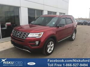 2016 Ford Explorer XLT WITH NAV! $265.12 b/weekly.