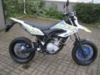 Yamaha WR125X Supermoto Style Excellent Condition. Registered 2011 /22-12-2011, MOT'd to 26-07-18.