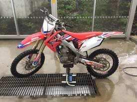 HONDA CRF 250 MOTO X BIKE