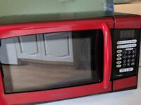 Red Emerson Microwave (American plug)