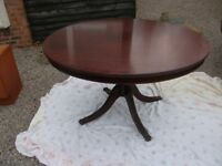 LOVELY PERIOD DINING TABLE PEDESTAL ROUND DINING TABLE WITH CLAW FEET AND INLAID PATTERN