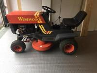 Westwood ride on lawnmower with grass box