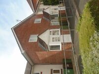 Modern 2 double bed house, lounge, kitchen, GCH, small garden, Tory Brook Plympton.