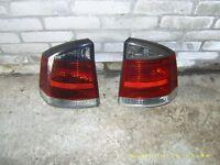 2 BACK LIGHTS VECTRA 2004 £25