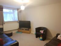 Modern 3 bedroom house within a very short walk from transport and shops in Woolwich SE18
