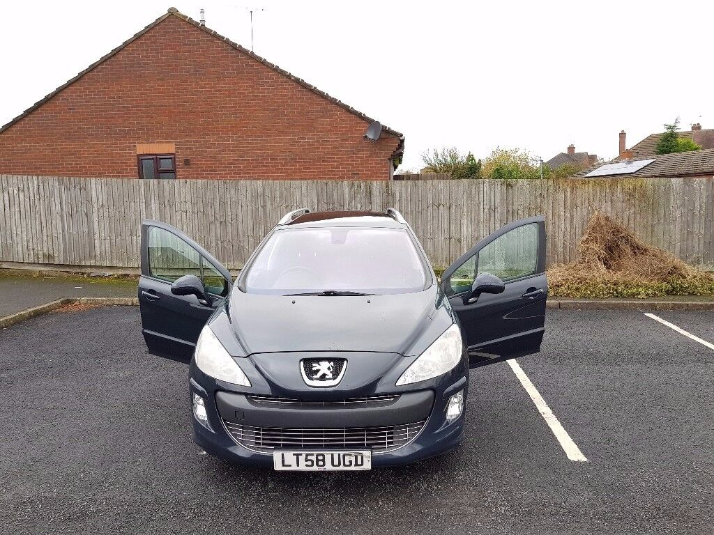 Peugeot 308SW 1.6 HDi Diesel Panaromic Roof and 7 seater conversion