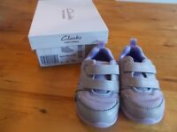 Girls shoes (size 5G -EUR 21) from CLARKS PURPLE