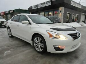 2013 Nissan Altima SV 3,5 L (Low KM, V6, Sunroof, Back up Camera
