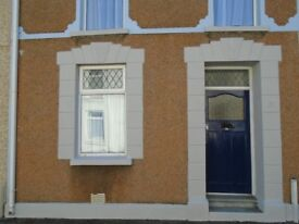 3 bed 3 reception house just off Llanelli town centre 12 month lease