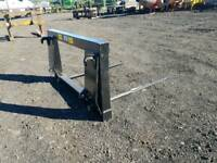New Tractor front loader bale spike with euro 8 brackets