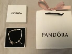 PANDORA Cinderella Bracelet Set ***As New*** Cost £205