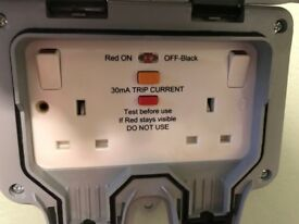 Masterplug WP22RCD 13 A 2 Gang Storm Weatherproof Outdoor RCD Switched Latched Double Sockets x2