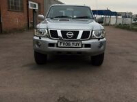 2006 Nissan Patrol 3.0 Diesel,4x4 aut.,7 seater deluxe, FSH,Great Condition, New Tyres