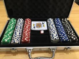 Poker chip set with metal case