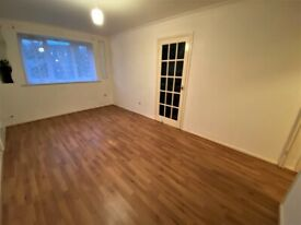 Recently Fully Renovated Ground Floor Flat with Communal Garden and Parking