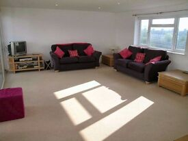 Perfectly located 2 bedroom apartment in Raynes Park