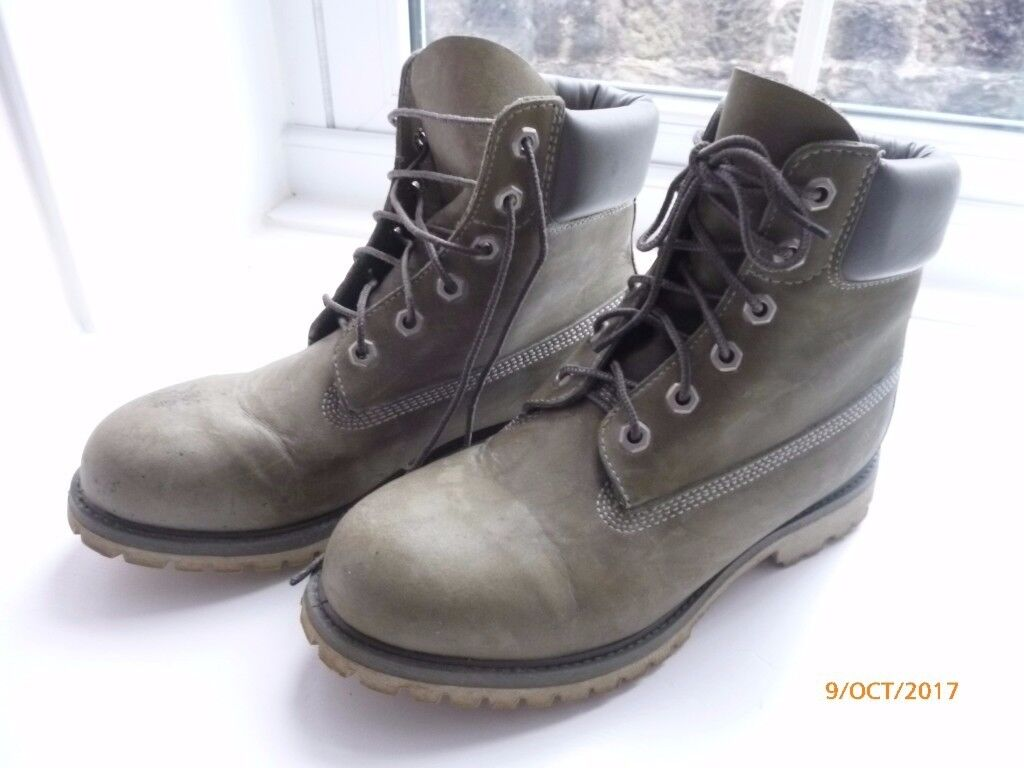 Ladies Genuine Timberland Boots Size 6.