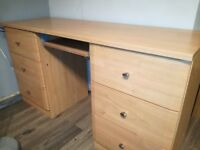 Desk to sell