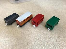 Thomas trackmaster carriages/trucks
