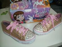 SKECHERS TWINKLE TOES GOLD SIZE 1