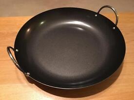 Large Spanish paella pan