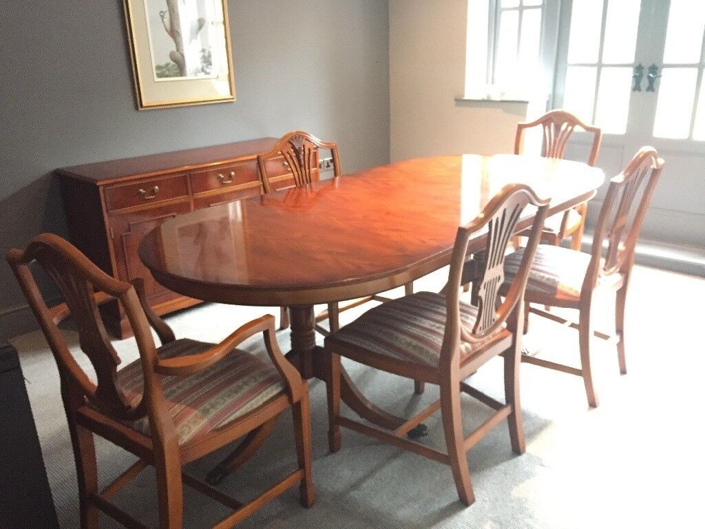 Extendable yew dining table with 6 chairs Brough area