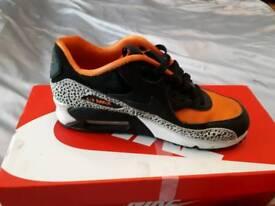 2 pairs of genuine Nike air max