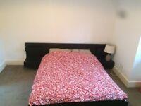 Kingsize bedroom in Kensington Olympia