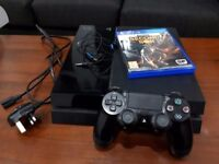 Playstation 4 (Original) with controller + 1 game