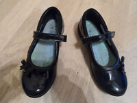 Clarks School Shoes size 2G