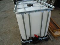 600 litre water tank with tap to bottam and large fill cap to top