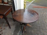 DARK WOOD SHABBY CHIC PROJECT 1920'S ROUND TABLE THAT DROPS DOWN WITH LATCH
