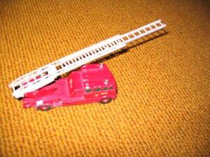 Matchbox K-15 Merryweather Fire Engine - Camion pompier