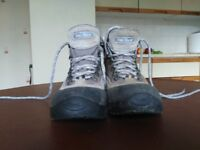kids(girls) hiking boots