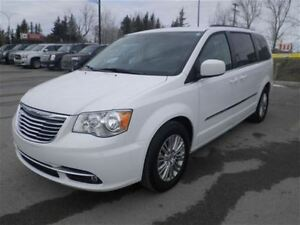 2016 Chrysler Town & Country Touring-L Leather Stow N Go
