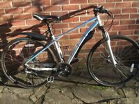 GT Transeo 4.0 Hybrid Bike. Small Mans bike in as new condition