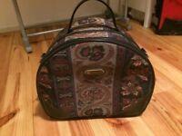 Vintage Jane Shilton weekend bag vanity case floral paisley retro topshop alexa hipster kitsch
