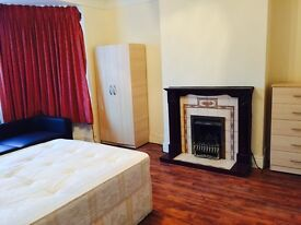 DOUBLE ROOMS AVAILABLE TO LET....