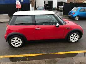 MINI ONE 51 REG A/C 15 ALLOYS SOME SEVICE HISTORY RED AND BLACK INTEROIR