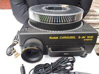 Vintage Retro Kodak Carousel S-AV 1010 Slide projector with remote control
