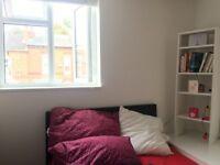 Bright double bedroom near Birmingham University