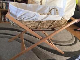 Mamas and papa Moses basket