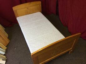 WINNIE THE POO SOLID PINE TODLER BED WITH MATTRESS,CAN DELIVER